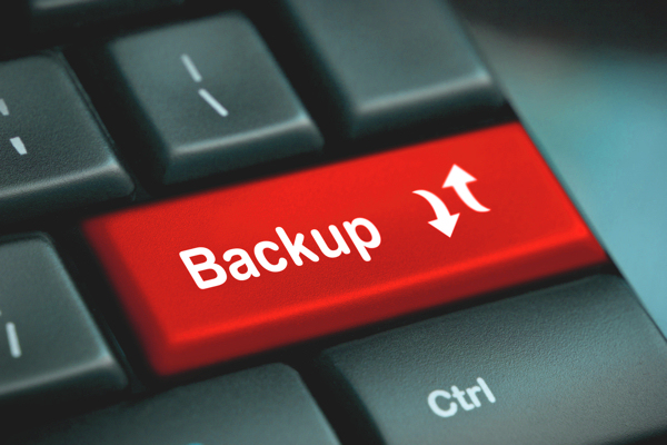 photodune-2988899-backup-computer-key-m